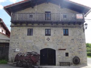 casa_chalet_en_venta_en_basaburua_6830068464723377232